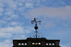 Καιρικό vane θέματος κυνηγιού Στοκ εικόνες με δικαίωμα ελεύθερης χρήσης