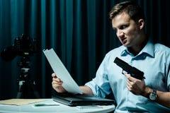 0 και επικίνδυνος δολοφόνος Στοκ εικόνες με δικαίωμα ελεύθερης χρήσης