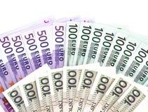 500 και 100 τραπεζογραμμάτια ευρώ και πολωνικά 100 zloty τραπεζογραμμάτια στο άσπρο υπόβαθρο στοκ εικόνα