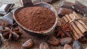 Κακάο, σοκολάτα και καρυκεύματα στοκ φωτογραφία