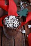 Κακάο Χριστουγέννων με τη σοκολάτα στοκ εικόνα