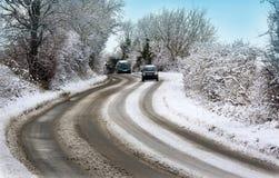 κακοί όροι που οδηγούν το χειμώνα βρετανικού καιρού στοκ φωτογραφίες