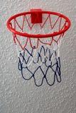 Καλάθι καλαθοσφαίρισης παιχνιδιών στοκ φωτογραφίες με δικαίωμα ελεύθερης χρήσης