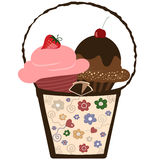 καλάθι cupcakes Στοκ εικόνες με δικαίωμα ελεύθερης χρήσης