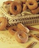 καλάθι donuts στοκ φωτογραφία με δικαίωμα ελεύθερης χρήσης