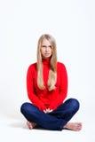Καλή γυναίκα στην κόκκινη μπλούζα Στοκ Φωτογραφία