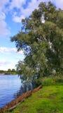 Καλή θερινή ημέρα από τη λίμνη στοκ φωτογραφίες