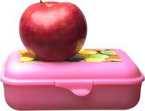 Καλαθάκι με φαγητό και η κόκκινη Apple - που απομονώνεται Στοκ φωτογραφία με δικαίωμα ελεύθερης χρήσης