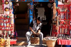 Καλλιτέχνης στο ναό Swayambhunath, Κατμαντού, Νεπάλ Στοκ φωτογραφίες με δικαίωμα ελεύθερης χρήσης