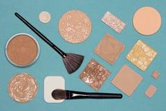 Καλλυντικά προϊόντα και εξαρτήματα για το διορθωτικό makeup Στοκ εικόνα με δικαίωμα ελεύθερης χρήσης