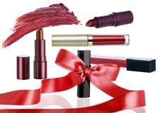 Καλλυντικός αποτελέστε θέτει με την κορδέλλα πώλησης διακοπών Χριστουγέννων στοκ φωτογραφία με δικαίωμα ελεύθερης χρήσης