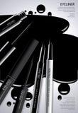 Καλλυντικό Eyeliner με το σχέδιο αφισών συσκευασίας στοκ φωτογραφίες