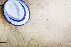 καλοκαίρι θαλασσινών κοχυλιών άμμου πλαισίων έννοιας ανασκόπησης pink scallop seashell Κενή χλεύη, διαφημιστικός, συσκευάζοντας,  Στοκ Φωτογραφία