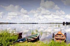 καλοκαίρι λιμνών βαρκών Στοκ Φωτογραφίες