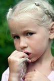 καλοκαίρι πορτρέτου κοριτσιών στοκ φωτογραφία