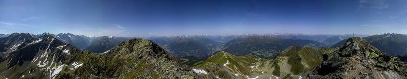 Καλοκαίρι στις Άλπεις στο Τύρολο στοκ φωτογραφία με δικαίωμα ελεύθερης χρήσης
