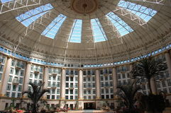καλυμμένο δια θόλου ξενοδοχείο στοκ φωτογραφίες