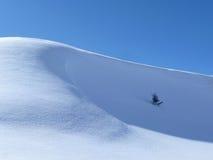 καλυμμένο χιόνι λόφων στοκ φωτογραφία