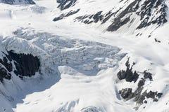 καλυμμένο χιόνι παγετώνων Στοκ εικόνα με δικαίωμα ελεύθερης χρήσης