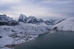 καλυμμένο χωριό χιονιού gokyo Στοκ Εικόνες