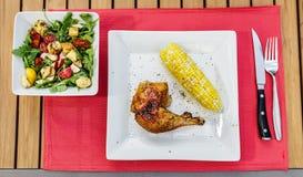 Καλυμμένο ψημένο γεύμα κοτόπουλου Στοκ Εικόνα