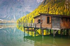 Καλύβα λιμνών Braies Στοκ Εικόνες