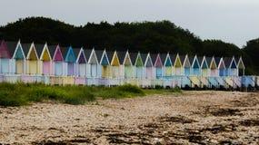 Καλύβες παραλιών στην Αγγλία μετά από μια θύελλα στη δύση Mersea, Αγγλία UK 10 στοκ εικόνες με δικαίωμα ελεύθερης χρήσης