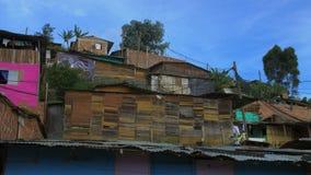 Καλύβες στη γειτονιά τρωγλών, Κολομβία - Λατινική Αμερική απόθεμα βίντεο