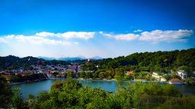 Καλύτερη θέση της Σρι Λάνκα σημείου άποψης Kandy για να δει τη kandy πόλη σε μια θέση στοκ εικόνες