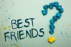 Καλύτεροι φίλοι κειμένων γραφής Η έννοια που σημαίνει το πρόσωπο Α που εκτιμείτε επάνω από άλλα πρόσωπα για πάντα τους φιλαράκους στοκ εικόνα με δικαίωμα ελεύθερης χρήσης
