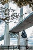 Καλώδιο-μένοντη γέφυρα του Βλαδιβοστόκ στοκ φωτογραφίες με δικαίωμα ελεύθερης χρήσης