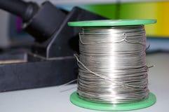 καλώδιο ύλης συγκολλή&sigm Στοκ φωτογραφία με δικαίωμα ελεύθερης χρήσης