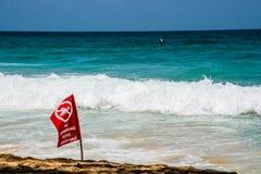 Καμία κολυμπώντας κόκκινη σημαία, Phuket Ταϊλάνδη Στοκ εικόνες με δικαίωμα ελεύθερης χρήσης