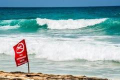 Καμία κολυμπώντας κόκκινη σημαία, Phuket Ταϊλάνδη Στοκ Φωτογραφίες