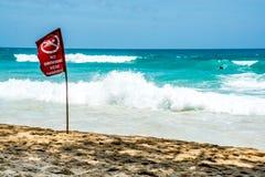 Καμία κολυμπώντας κόκκινη σημαία, Phuket Ταϊλάνδη Στοκ Εικόνα