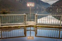 Καμία κολύμβηση, πολύ επικίνδυνη περιοχή Στοκ φωτογραφίες με δικαίωμα ελεύθερης χρήσης