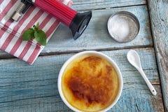 καμμένη καραμελοποιημένη creme κρέμας κορυφαία παραδοσιακή βανίλια ζάχαρης επιδορπίων γαλλική Στοκ φωτογραφία με δικαίωμα ελεύθερης χρήσης