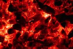 Καμμένος καυτή κινηματογράφηση σε πρώτο πλάνο ανθράκων υποβάθρου σύσταση του καψίματος των ανθράκων στοκ εικόνες