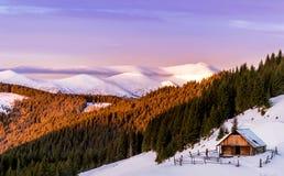 Καμπίνα βουνών στοκ φωτογραφία με δικαίωμα ελεύθερης χρήσης
