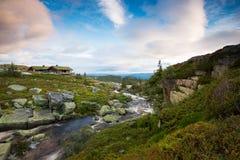 Καμπίνα στα νορβηγικά βουνά Στοκ Εικόνες