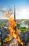 Καμπαναριό της Notre Dame στοκ εικόνες