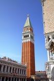 Καμπαναριό του σημαδιού του ST στη Βενετία, Ιταλία Στοκ φωτογραφία με δικαίωμα ελεύθερης χρήσης