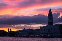 Καμπαναριό του ST Mark ` s στο ηλιοβασίλεμα, Βενετία Στοκ εικόνα με δικαίωμα ελεύθερης χρήσης