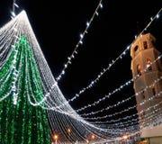 Καμπαναριό χριστουγεννιάτικων δέντρων και καθεδρικών ναών σε Vilnius Λιθουανία Στοκ Εικόνα