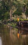 Καμποτζιανός μοναχός σε Angkor Wat Στοκ εικόνες με δικαίωμα ελεύθερης χρήσης