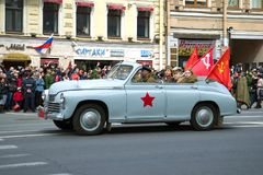 Καμπριολέ αυτοκινήτων GAZ μ-20 ` Pobeda ` στην παρέλαση των αναδρομικών αυτοκινήτων προς τιμή την ημέρα νίκης Στοκ Φωτογραφία