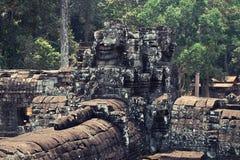Καμπότζη & πέτρινα κεφάλια Στοκ φωτογραφία με δικαίωμα ελεύθερης χρήσης