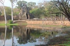 Καμπότζη Πύλη σε Angkor Thom Το Siem συγκεντρώνει την πόλη Το Siem συγκεντρώνει την επαρχία Στοκ φωτογραφία με δικαίωμα ελεύθερης χρήσης