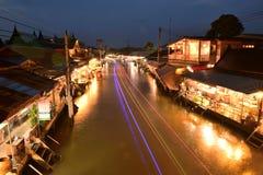 Κανάλι αγοράς Amphawa, ο διασημότερος να επιπλεύσει της αγοράς και πολιτιστικός τόπος προορισμού τουριστών Στοκ Εικόνες
