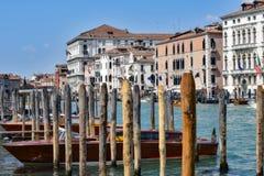 Κανάλια, κτήρια, και βάρκες της Βενετίας Στοκ φωτογραφίες με δικαίωμα ελεύθερης χρήσης
